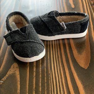Toms Velcro infant shoes